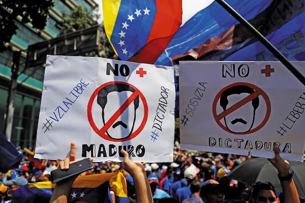 ENOJO. Partidarios de la oposición marcharon contra el gobierno de Maduro. Foto: REUTERS