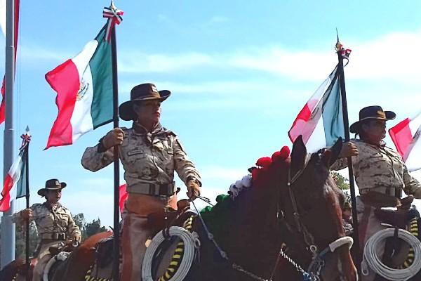 Durante el desfile se realizará una representación histórica de las culturas prehispánicas, la Conquista, la Colonia, la Independencia, hasta la Revolución Mexicana. Foto: Paris Alejandro Salazar