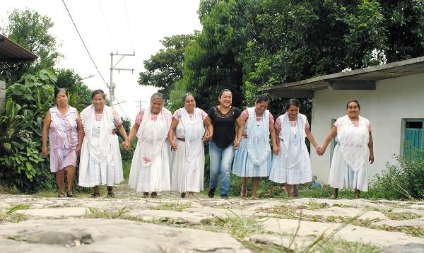 RESPALDO. Más de 100 mujeres de seis comunidades integran la organización Mujeres indígenas que se apoyan. Foto: Especial