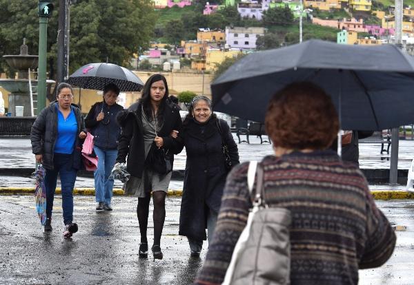 Habrá lluvias aisladas en la Ciudad de México esta tarde. FOTO: Cuartoscuro
