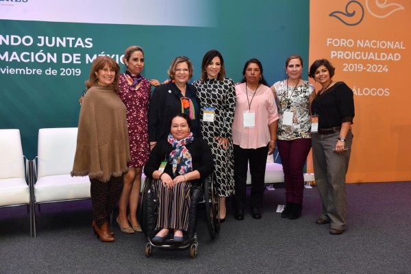 Nadine Gasman, presidenta del Instituto Nacional de las mujeres y participantes del Foro Nacional ProIgualdad. Foto:  Pablo Salazar Solís