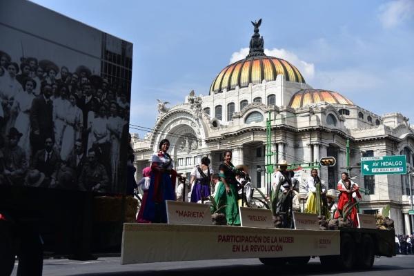 El desfile dio inicio a las 12:00 horas y concluró a las 14:10 horas. FOTOS: Daniel Ojeda