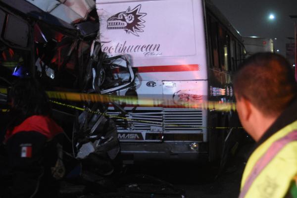 Choque en autopista México-Pachuca el lunes 18 de noviembre
