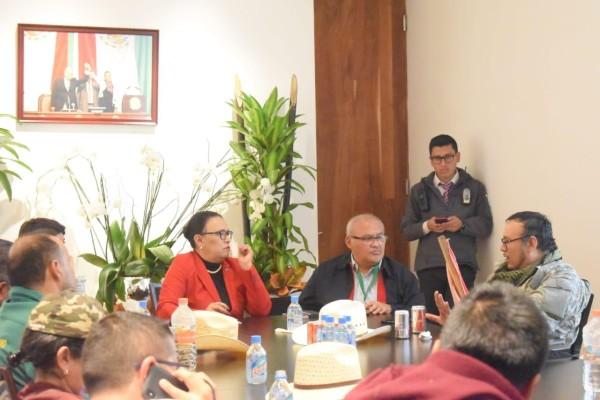 Líderes campesinos en reunión con la secretaria de Gobierno de la Ciudad de México, Rosa Icela Rodríguez. Foto: Especial