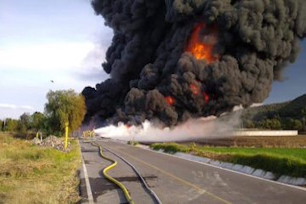 Una toma clandestina estalló en Tetepango, Hidalgo.
