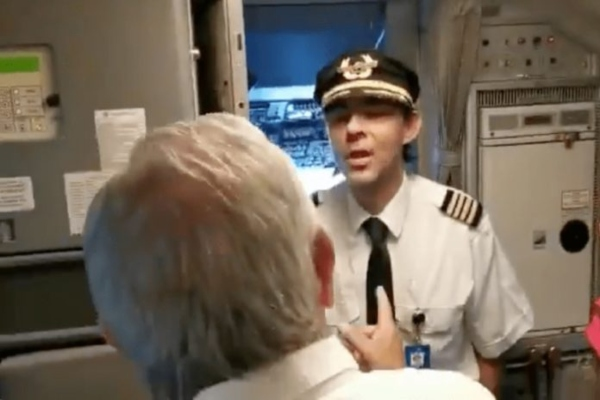 Piloto_AMLO_Aeroméxico