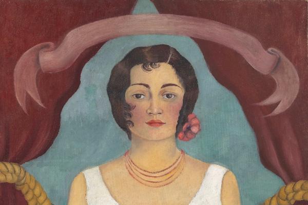 mujer_vestida_blanco_frida_kahlo