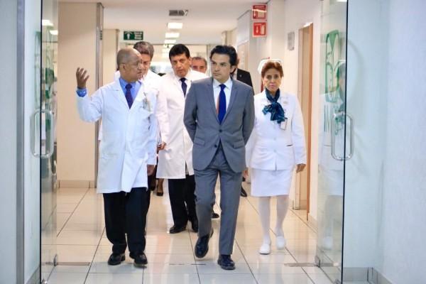 zoe_robledo_imss_hospitales_umae_la_raza