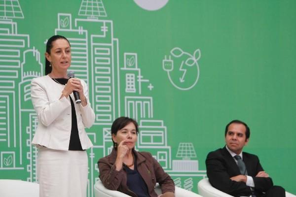 Claudia Sheinbaum, jefa de Gobierno capitalino, refrendó su compromiso con la calidad ambiental de la CDMX. Foto: Especial