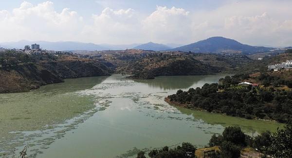 Enfrenta toxicidad del agua, descargas clandestinas, basura y deforestación. Foto: Leticia Ríos