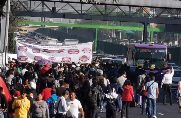 Tome Avenida de los Insurgentes y Eje 8 Sur como vías alternas a la marcha. FOTO: Especial