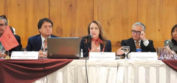 AGENDA. La ministra Yasmín Esquivel participó en una ponencia ante la Barra Mexicana de Abogados. Foto: Especial.