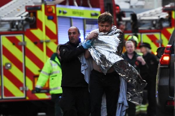 EL SALDO. Dos personas murieron y el agresor, identificado como Usman Khan, fue abatido a tiros por la Policía británica, EL SALDO en un ataque con cuchillo en el London Bridge; otras tres personas fueron hospitalizadas. Foto: AFP