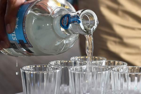 20 pesos por litro encarecerá el licor. Foto: ENFOQUE