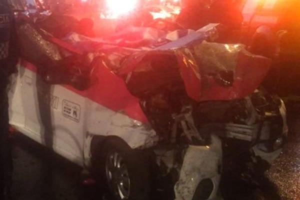 Accidente automovilístico en Iztapalapa. Foto: Especial