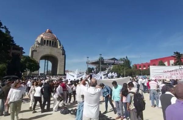 Los manifestantes recorrieron Avenida de Paseo de la Reforma. FOTO: Especial