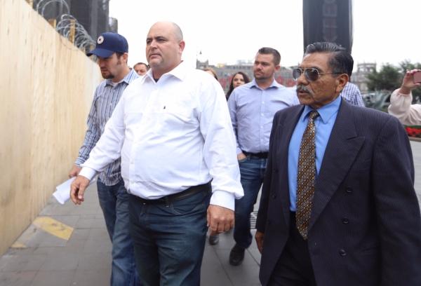 Adrián LeBarón declaró que en un mes se reunirán de nuevo con el Presidente. FOTO: Víctor Gabhler