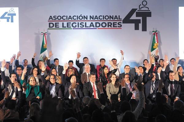 PLAN. Legisladores de Morena se comprometieron a impulsar desde sus estados la agenda de la 4T. Foto: Cuartoscuro