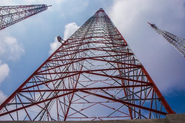 El servicio de CFE Telecom plantea llevar internet y telefonía a todo el país.  FOTO: TERCERO DÍAZ /CUARTOSCURO.COM