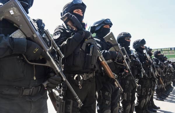 ESTRATEGIA. El grupo de unidad antiterrorista fue presentado ayer, en La Paz. Foto: REUTERS
