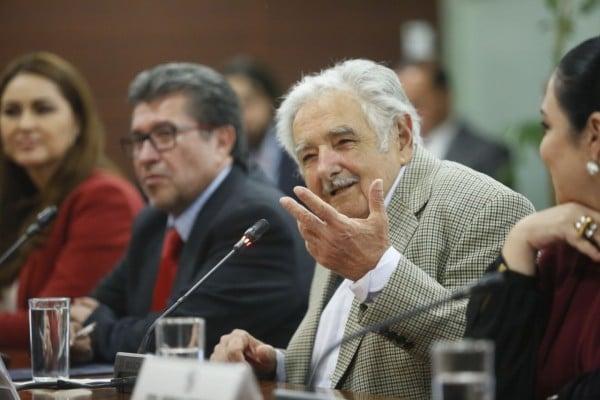 jose_mujica_uruguay_senadores_salario