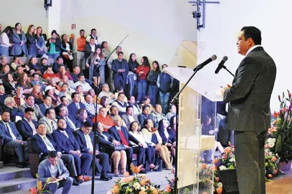 CONTINÚA. El alcalde Juan Hugo de la Rosa fue reelegido para estar a la cabeza de la actual administración. Foto: Especial.