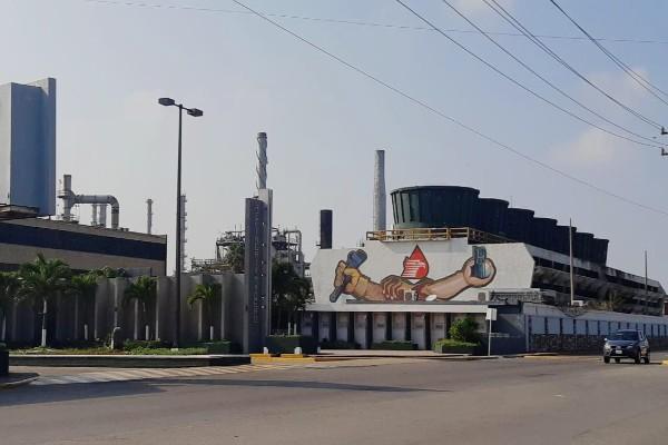 pemex_refineria_ciudad_madero_barriles_de_petroleo