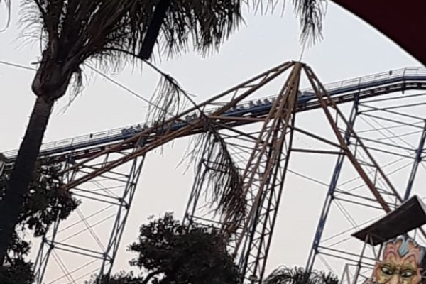 sixflags_superman_atorados_accidente