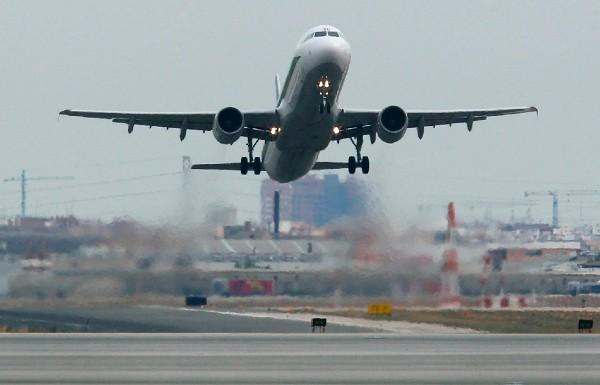 COSTOS. Se prevén ahorros en combustible por menor tiempo de vuelo en el espacio aéreo de la CDMX.
