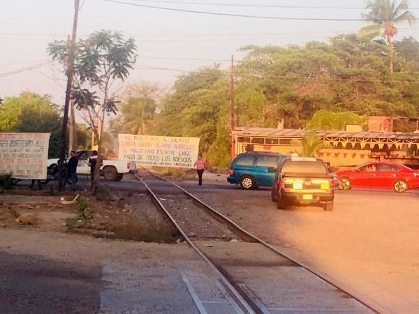 cnte-bloquean-vias-tren-michoacan-