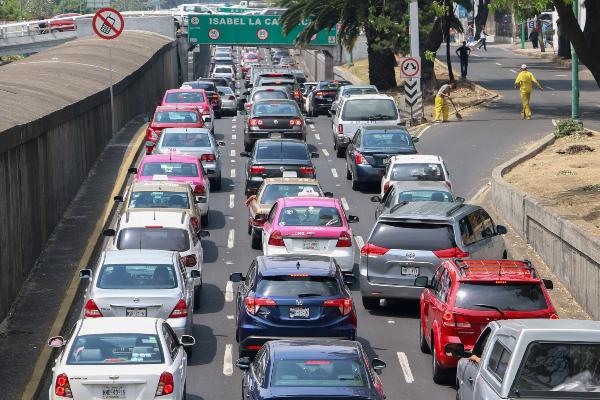 ¡Evita multas! Estos autos no circulan el viernes 13 de diciembre