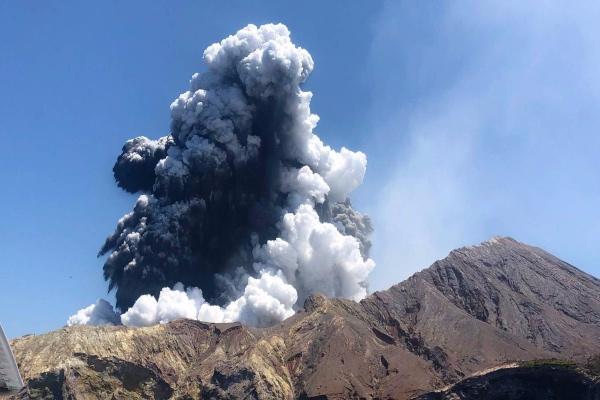 erupción_volcan_nueva_zelanda