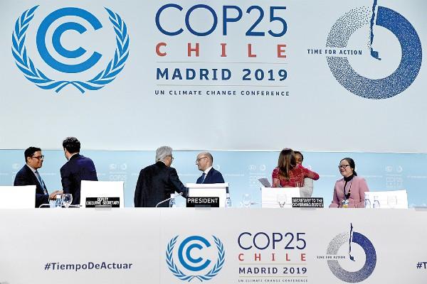JEFA, EN TURNO. Carolina Schmidt, ministra de Chile y presidenta de conferencia. Foto:  REUTERS