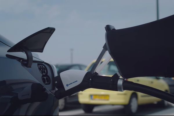 autos-electricos-autonomos-estacionaran-recargaran-solos-gracias-tecnologia-startup