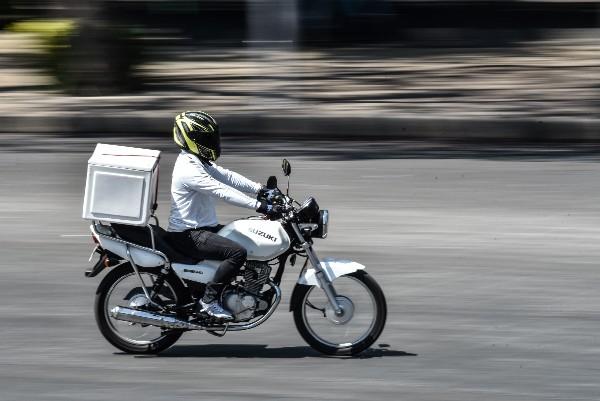 Licencia-Motociclistas-Movilidad-Repartidores-Capacitación-Curso-Adrián-Lajous