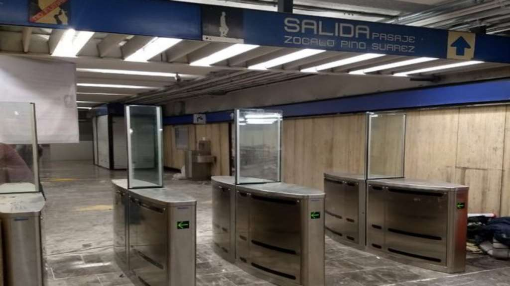 torniquetes_estacion_zocalo_metro