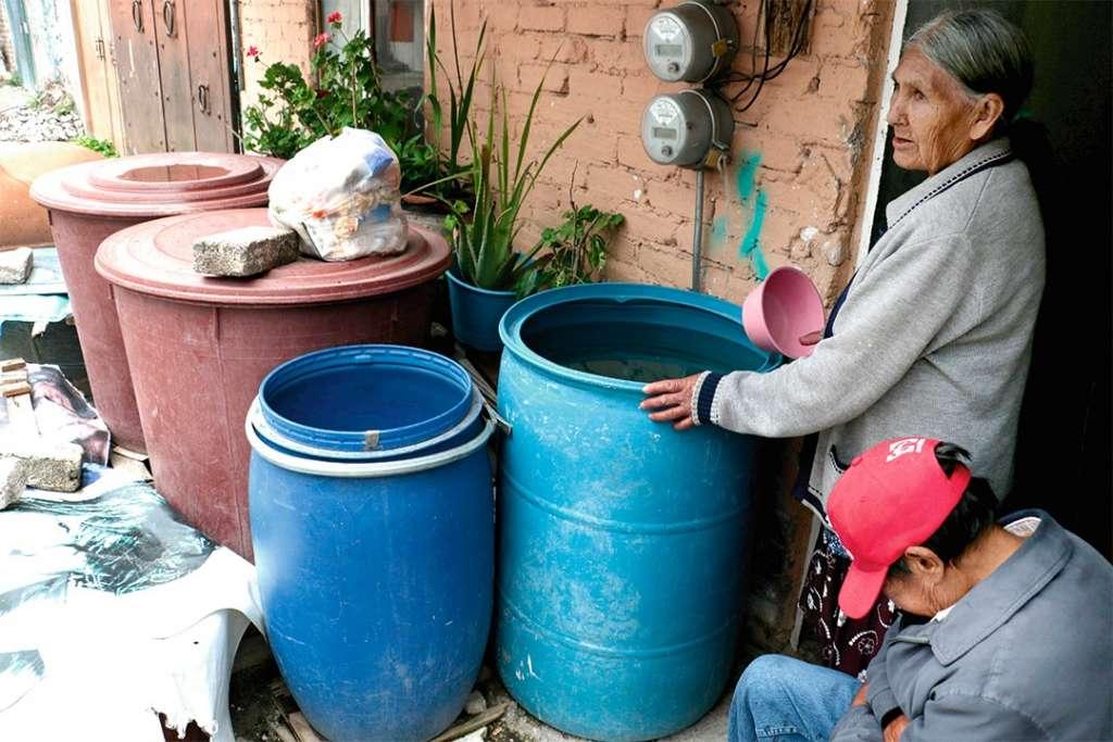 PREVENCIÓN. Las autoridades llamaron a la población a tomar previsiones. Foto: Cuartoscuro