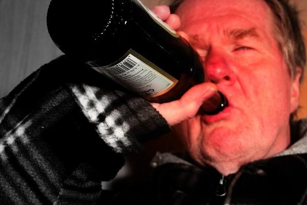resaca_crudoa_consumo_bebidas_alcoholicas_salud