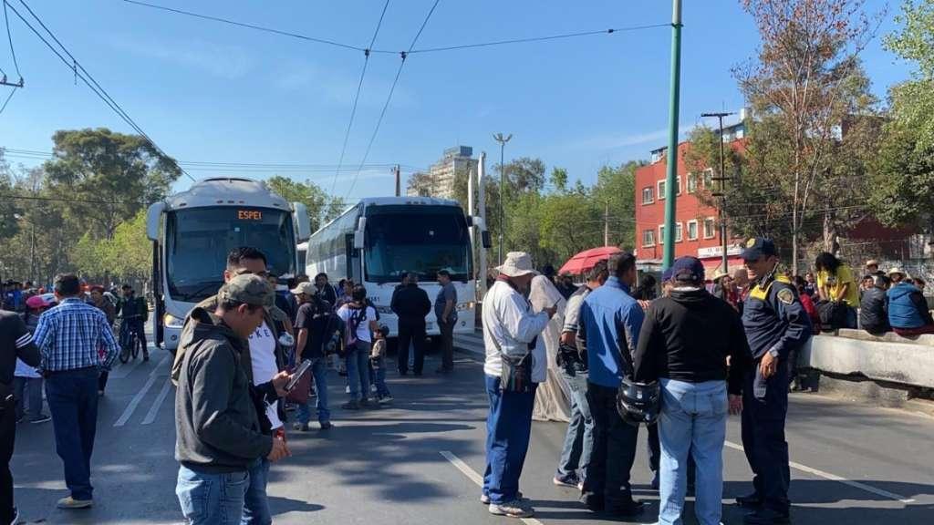 marcha-normalistas-43-desaparecidos-ayotzinapan-basilica-guadalupe