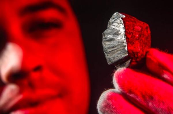 dscottita-nuevo-mineral-descubierto-meteorito