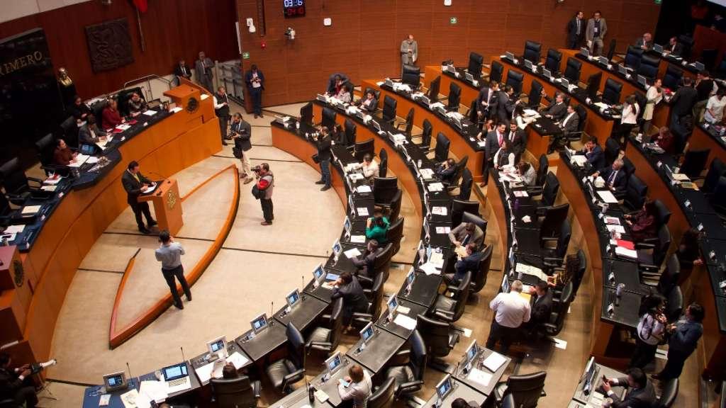 senadores-morena-partidos-pt-pri-pan-salario-presidente-austeridad