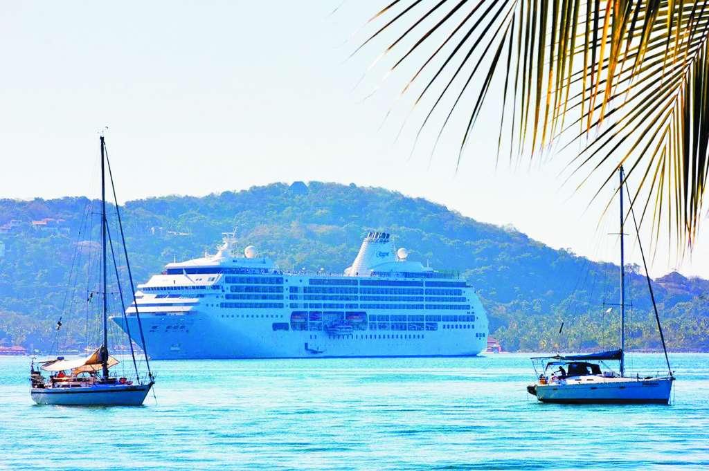 RECORRIDO. La nave partió del Puerto Quetzal y su próximo destino es Puerto Vallarta, Jalisco. Foto: Especial