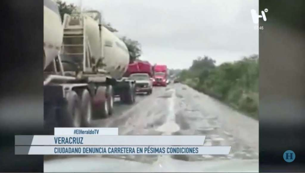 Ciudadano expresa su inconformidad por estados de carreteras en Veracruz: VIDEO