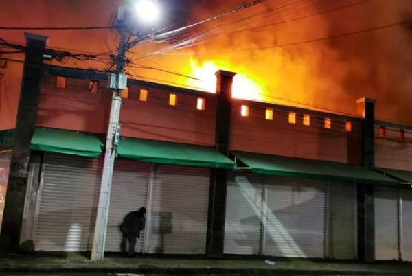 fgj-cdmx-incendios-cinco-mercados-provocados-crimen-organizado-xochimilco-la-merced