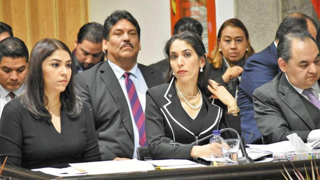 MENSAJE. La fiscal veracruzana expuso sus argumentos ante diputados locales. Foto: Jesús Ruiz