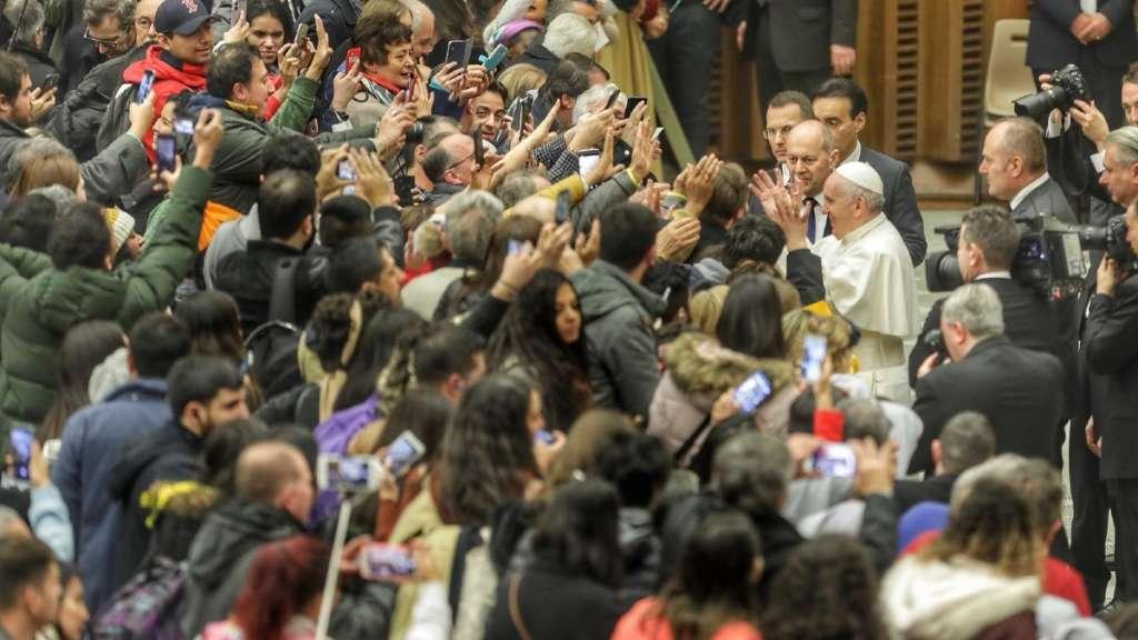 papa-francisco-hospitalidad-migrantes-roma