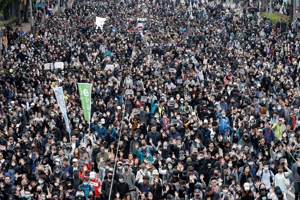 davos-2020-foro-economico-mundial-barometro-confianza-edelman-manifestaciones