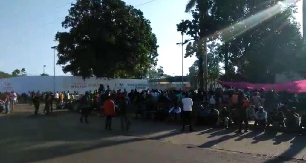 PIDEN AMPARO. El activista Luis García solicitó amparo para 1,118 migrantes. Foto: Especial