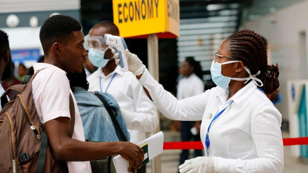 Một trường hợp siêu lây nhiễm tại Ghana đã xảy ra khi một công nhân tại nhà máy chế biến cá ở thành phố Tema đã lây nhiễm virus Vũ Hán cho hơn 500 người.