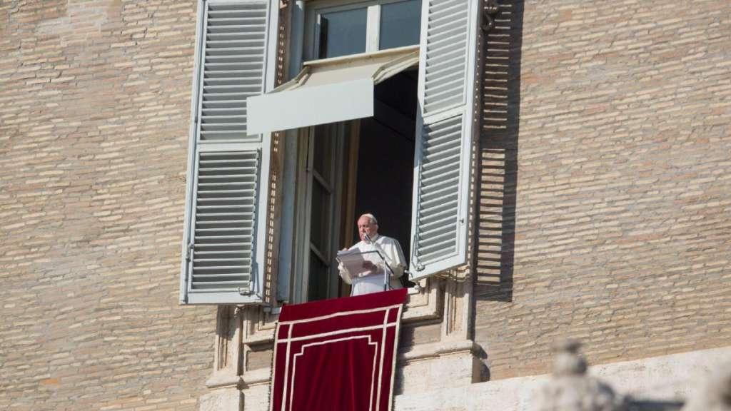 papa-francisco-mensaje-plaza-san-pedro-vida-jornada-consagrada